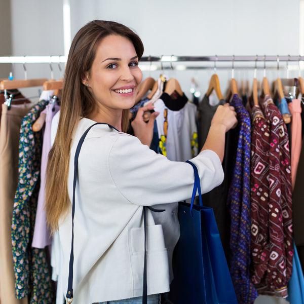 087216127cae Как выбирать одежду в секонд-хенде - Я Покупаю